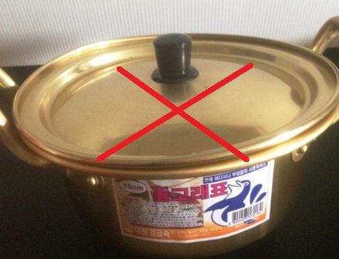 Alat memasak terbuat dari bahan kuningan